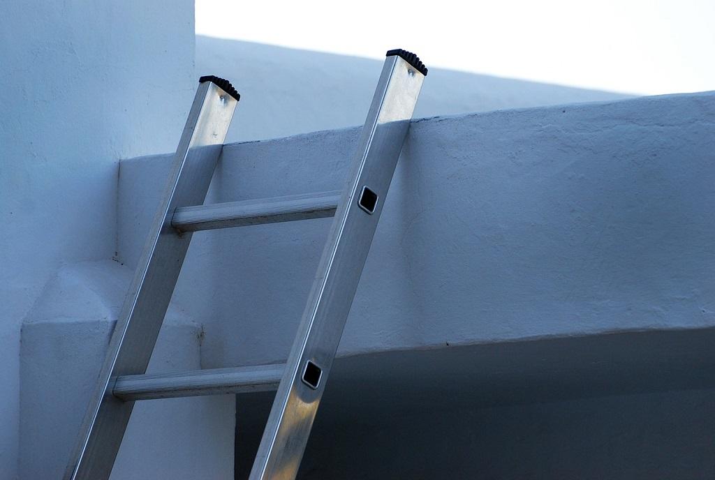 escalera larga, escalera de varios metros, escalera barata, escalera buena, escalera de alumino